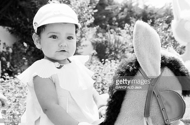 Rendezvous With King Hassan Ii Morocco And Daughter Princess Lalla Meryem Au début des années 60 dans un jardin portrait de la Princesse LALLA MERYEM...