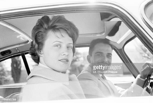Rendezvous With King Hussein Of Jordan And His Bride Antoinette April Gardiner. En Jordanie, à Amman, portraits du roi HUSSEIN DE JORDANIE, au volant...