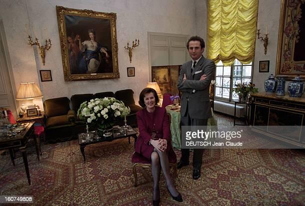 Rendezvous With Laure De Beauvau Craon, Chairwoman Of Sotheby's. En France, à Paris, le 1er décembre 2001. Rendez-vous avec princesse Laure DE...