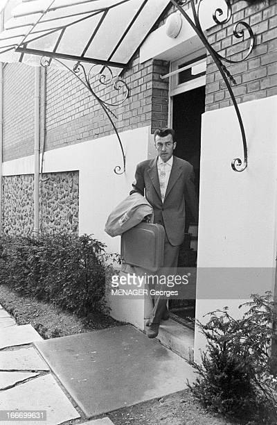 Rendezvous With Louison And Jean Bobet France 6 mai 1958 le cycliste français Louison BOBET s'apprête à participer au 45ème tour de France Ici on le...