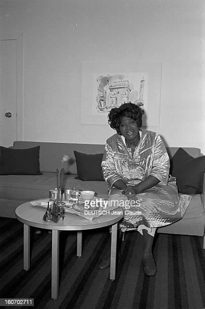 Rendezvous With Mahalia Jackson American Singer Aéroport d'Orly Hôtel Hilton 5 Juin 1969 Portrait de Mahalia JACKSON chanteuse américaine de Gospel...