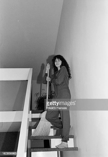 Rendezvous With Maria Schneider Le 25 octobre 1979 l'actrice Maria SCHNEIDER qui joue dans 'La dérobade' du réalisateur Daniel DUVAL vue en contre...