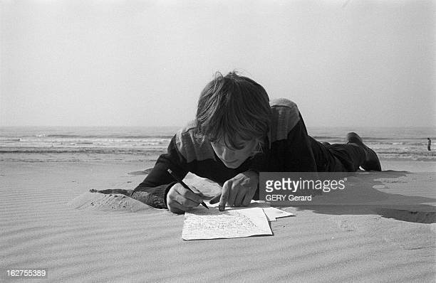 Rendezvous With Pascal Perrot Child Poet France Le Touquet 10 octobre 1976 Pascal PERROT un jeune prodige en littérature prépare un roman policier...