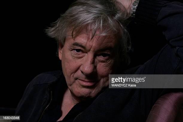 Rendezvous With Paul Verhoeven Paul VERHOEVEN en promotion à PARIS pour la sortie de son nouveau film 'Black book' plan de face souriant du...