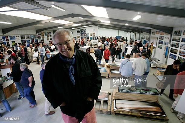 Rendezvous With Philip Plisson Attitude souriante de Philip PLISSON le photographe de la mer dans ses locaux de LA TRINITESURMER au cours d'une...