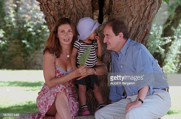 Rendezvous With Pierre Lescure In Family France aout 2000 Pierre LESCURE est journaliste présentateur et administrateur de diverses sociétés On le...
