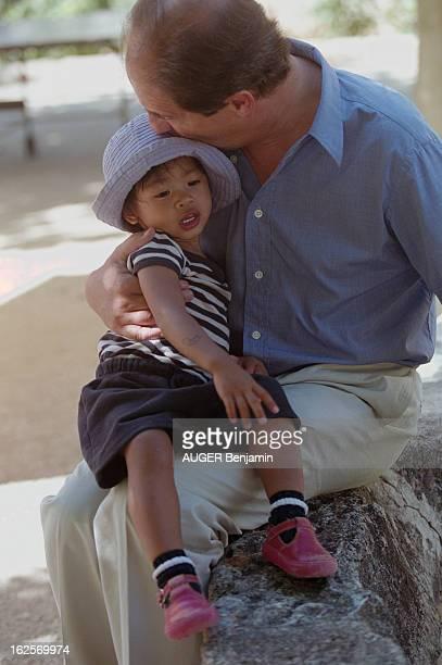 Rendezvous With Pierre Lescure In Family France aout 2000 Pierre LESCURE est journaliste présentateur et administrateur de diverses sociétés Ici on...