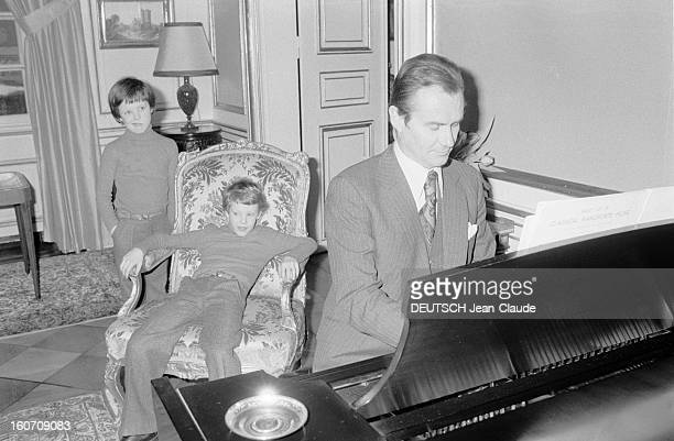Rendezvous With Prince Henrik Of Denmark And Princess Margrethe Of Denmark With Family Danemark Copenhague 21 Février 1977 Au château d'Amalienbörg...