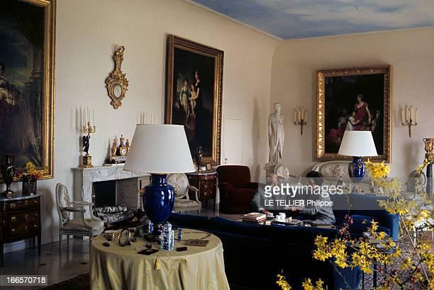 Rendezvous With Prince Louis Napoleon En avril 1968 dans un salon décoré de peintures anciennes le prince LOUIS NAPOLEON assis dans un canapé aux...