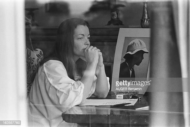 Rendezvous With Romy Schneider In Rome A Rome où elle tourne 'Clair de femme' Romy a reconstitué son univers intime dans sa chambre d'hôtel grâce aux...