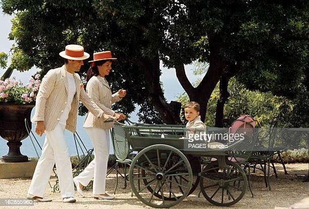 Rendezvous With Sacha Distel With Family In Saint-Tropez. En France, à Saint-Tropez, en juin 1966, Sacha DISTEL, chanteur, avec son épouse Francine...