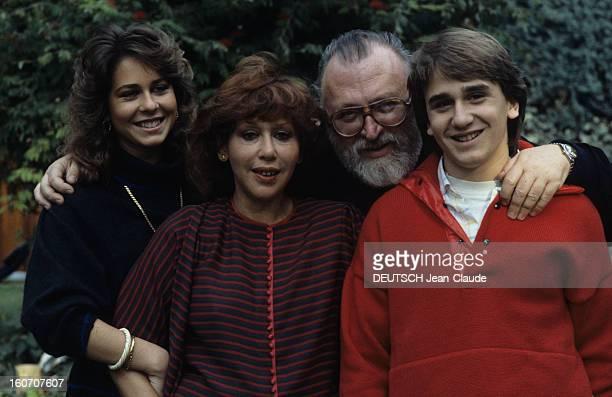 Rendezvous With Sergio Leone With Family In Rome Rome novembre 1983 A l'occasion du bouclage du tournage du film 'Il était une fois l'Amérique' avec...