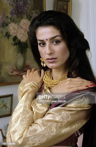 Rendezvous With Sheena Singh Star Model Of Yves Saint-laurent. Paris- Octobre 1990- Portrait de Sheena SINGH, mannequin indien vedette d' Yves...