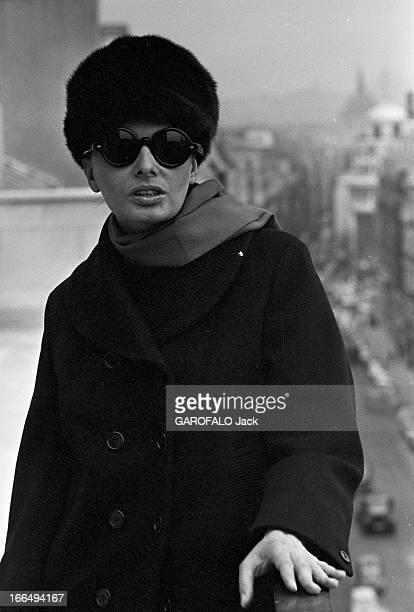 Rendezvous With Sophia Loren And Carlo Ponti In Their Apartment In Paris. France, Paris, 17 novembre 1964, l'actrice italienne Sophia LOREN...