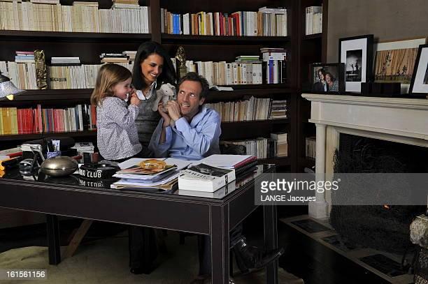 Rendezvous With Stephane Freiss Sèvres 12 mars 2010 Stéphane FREISS chez lui dans sa villa près de Paris Stéphane dans son bureau avec son épouse...