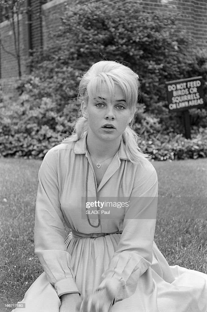 Top Rendezvous With Sue Lyon, Lolita In Stanley Kubrick Film Pictures  WM79
