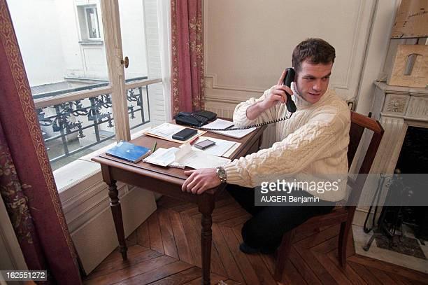 Rendezvous With The Singer Garou France LevalloisPerret décembre 1998 Garou est un chanteur québécois Cette annéelà il se produit dans le spectacle...
