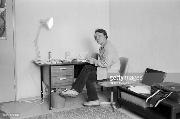 Rendezvous With Vladimir Bukovsky En 1978 à Cambridge en Angleterre l' ancien dissident soviétique Vladimir BOUKOVSKY ou BOUKOVSKI fumant une...