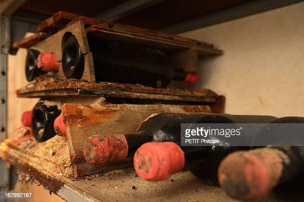Rendezvous With Winemaker Richard Auther Des bouteilles de vin du Domaine de La Courtade sur l'ile de Porquerolles