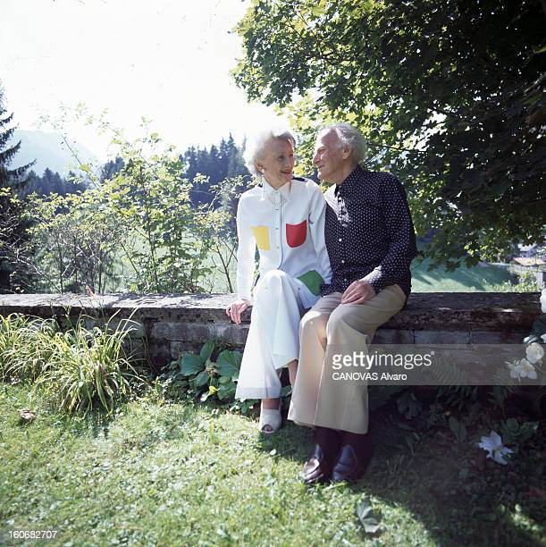 Rendezvous With Yehudi Menuhin And His Wife Sarah In Gstaad Switzerland En Suisse à Gstaad le 22 août 1994 Yehudi MENUHIN violoniste chef d'orchestre...