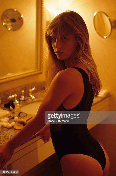 Rendezvous With Zuleika Bronson Le 23 aout 1989 portrait de Zuleika BRONSON la fille de Charles BRONSON et de Jill IRELAND en maillot de bain une...