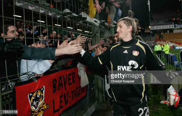 Rene Adler of Leverkusen goes to the fans after loosing 12 the UEFA Cup round of sixteen first leg match between RC Lens and Bayer Leverkusen at the...