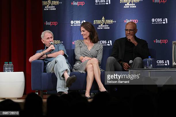 Rene Auberjonois Terry Farrell and Michael Dorn speak on stage at 'The Star Trek Deep Space Nine From The Edge of the Frontier' cast reunion at...