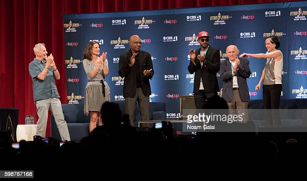 Rene Auberjonois Terry Farrell Michael Dorn Cirroc Lofton Armin Shimerman and Nana Visitor speak onstage at the Star Trek Mission New York at The...