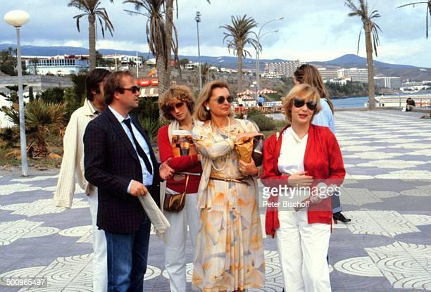 Rene Kollo Ehefrau Beatrice Nadja Tiller Dagmar Berghoff Kreuzfahrt MS Astor Urlaub Gran Canaria Sonnenbrille Promi Foto PBischoff