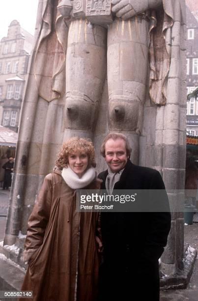 Rene Kollo Lebensgefährtin Beatrice Bouquet am auf dem Marktplatz in Bremen Deutschland