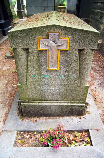 Rene Lalique's grave.