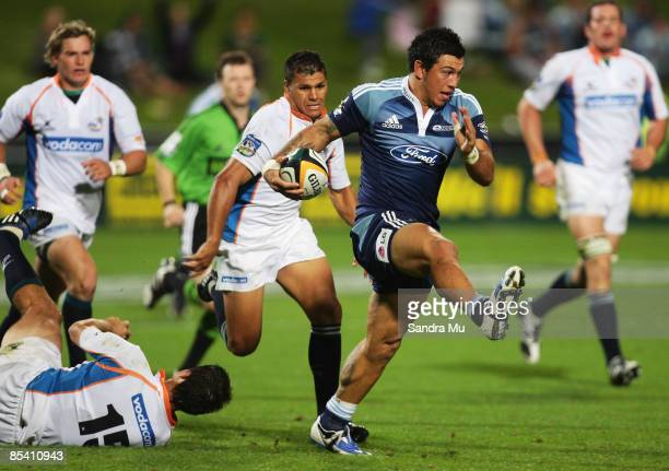 Rene Ranger of the Blues in action during the round five Super 14 match between the Blues and the Cheetahs at North Harbour Stadium on March 13 2009...