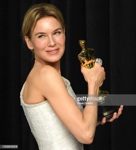 Renée Zellweger poses at the 92nd Annual Academy Awards at Hollywood and Highland on February 09 2020 in Hollywood California