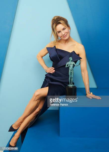 Renée Zellweger winner of Outstanding Performance by a Female Actor in a Leading Role in a Motion Picture award for 'Judy' poses in the Winners'...