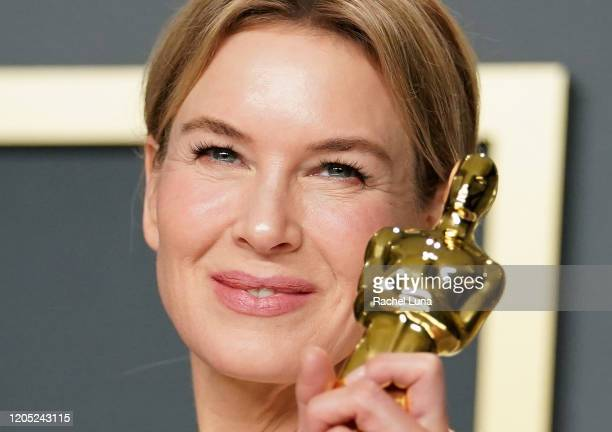 """Renée Zellweger, winner of the Actress in a Leading Role award for """"Judy,"""" poses in the press room during the 92nd Annual Academy Awards at Hollywood..."""