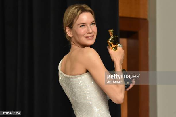 Renée Zellweger winner of the Actress in a Leading Role award for Judy poses in the press room during the 92nd Annual Academy Awards at Hollywood and...