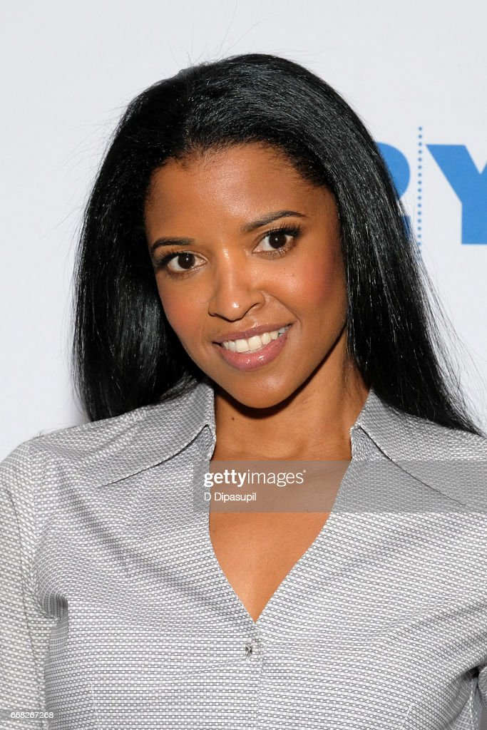 Renee Elise Goldsberry visits the 92nd Street Y to discuss 'The Immortal Life of Henrietta Lacks' on April 13, 2017 in New York City.