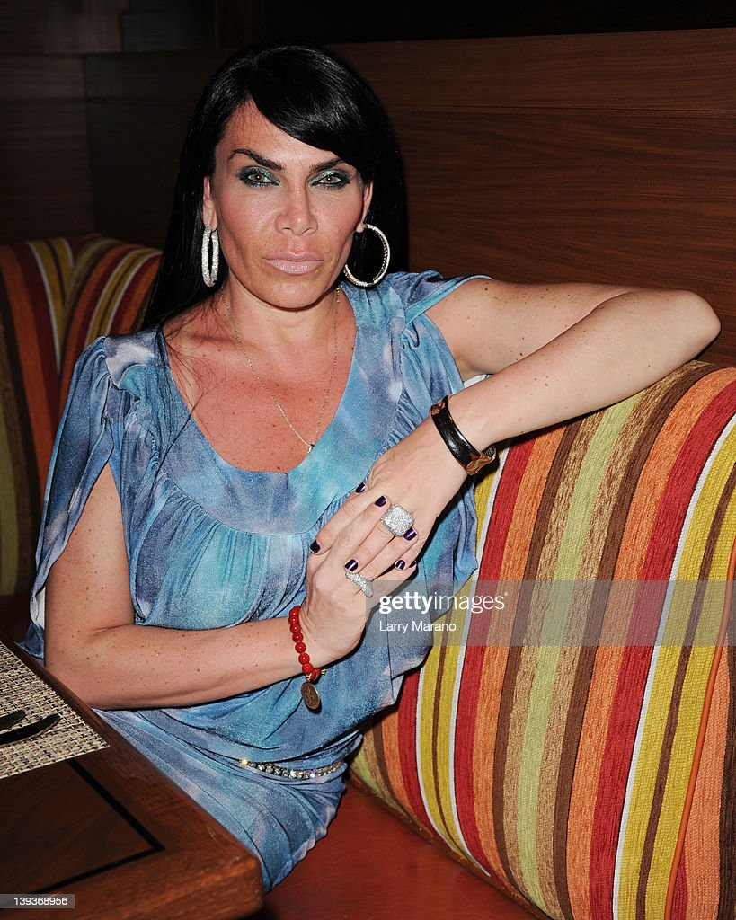 Mob Wives Renee Graziano Meet And Greet In Florida Photos And Images