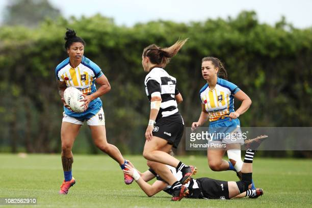 Renee Wickliffe of Bay of Plenty makes a break against Hawke's Bay during the TECT National Sevens tournament at Tauranga Domain on December 15 2018...