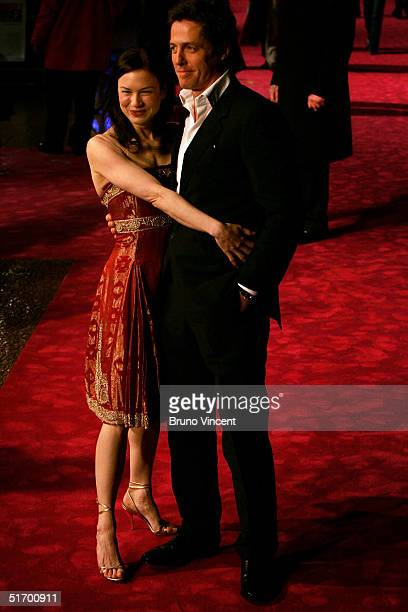 Renee Zellweger and Hugh Grant arrives at the UK Gala Premiere of Bridget Jones The Edge Of Reason at the Odeon Leicester Square on November 9 2004...