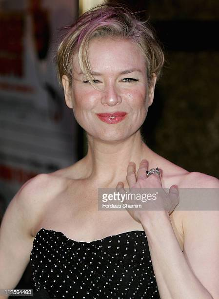 Renee Zellweger attends the Bee Movie film premiere held at the Empire Leicester Square on December 6, 2007 in London, England.