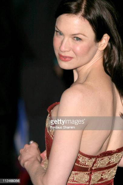 Renee Zellweger during Bridget Jones The Edge of Reason London Premiere Outside Arrivals at Odeon Leicester Square in London Great Britain