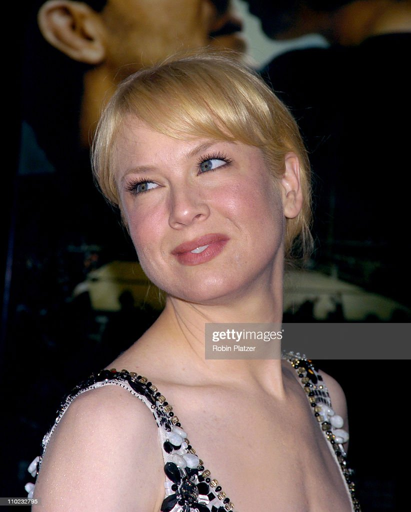 Renee Zellweger during 'Cinderella Man' New York City Premiere - Arrivals at Loews Lincoln Square Theatre in New York City, New York, United States.