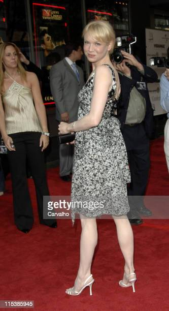 Renee Zellweger during 'Cinderella Man' New York City Premiere Benefiting The Children's Defense Fund at Loews Lincoln Square Theater in New York...