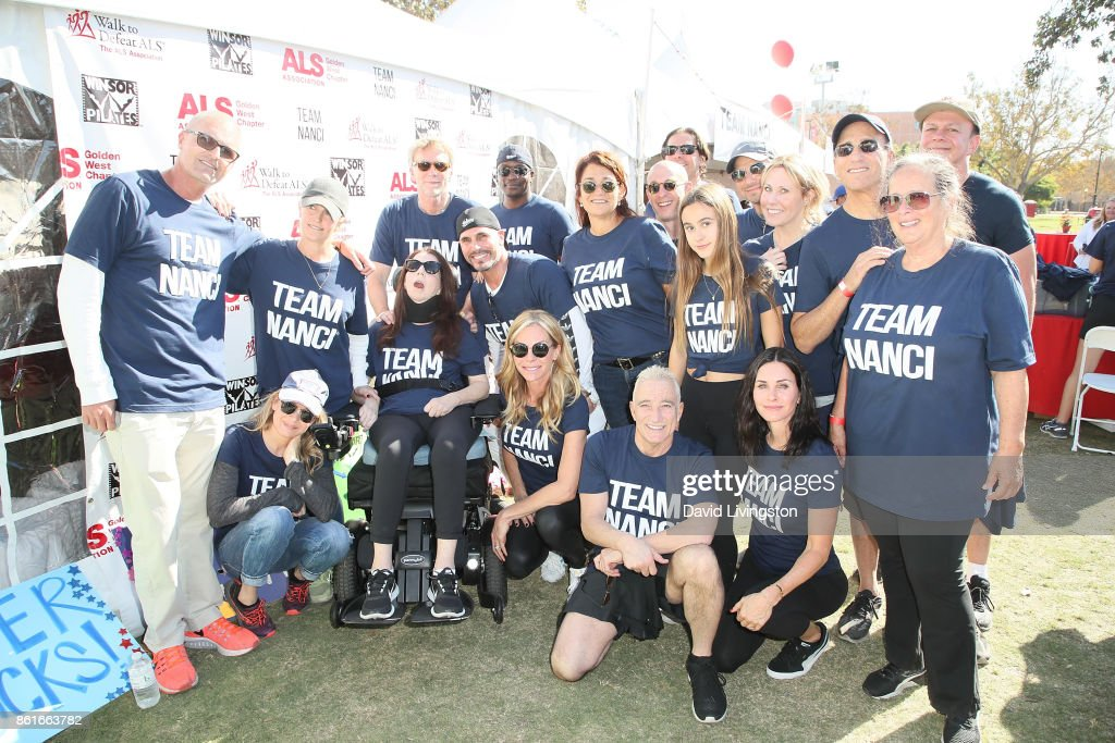 Renee Zellweger, Nanci Ryder, Don Diamont, Cindy Ambuehl, Coco Arquette, Courteney Cox and team attend Nanci Ryder's 'Team Nanci' at the 15th Annual LA County Walk to Defeat ALS at the Exposition Park on October 15, 2017 in Los Angeles, California.