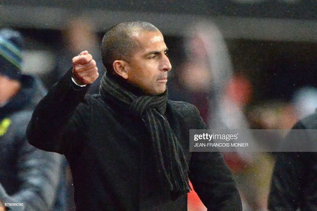 Rennes' French coach Sabri Lamouchi reacts during the French L1 football match between Stade Rennais (Stade Resnais FC) and Nantes (FC Nantes)at The Roazhon Park, in Rennes, northwestern France on November 25, 2017. /