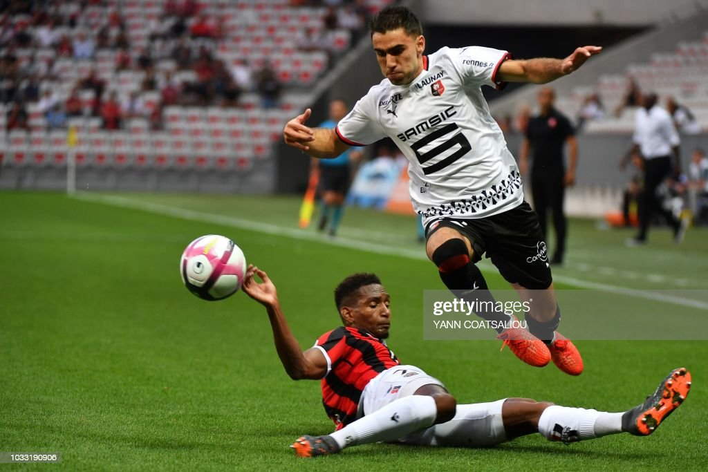 Rennes' French forward Romain Del Castillo (R) vies with Nice's French defender Christophe Herelle during the French L1 football match between Nice (OGCN) and Rennes (SRFC) on September 14, 2018, at the Allianz Riviera stadium in Nice, southern France.