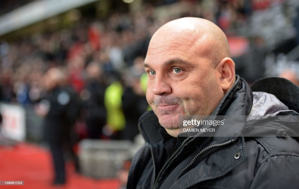 Rennes' French head coach Frederic Antonetti looks on during a French L1 football match between Rennes and Bordeaux on January 12, 2013 at the route de Lorient stadium in Rennes, western France.