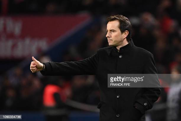 Rennes' French head coach Julien Stephan reacts during the French L1 football match between Paris SaintGermain and Stade Rennais FC at the Parc des...