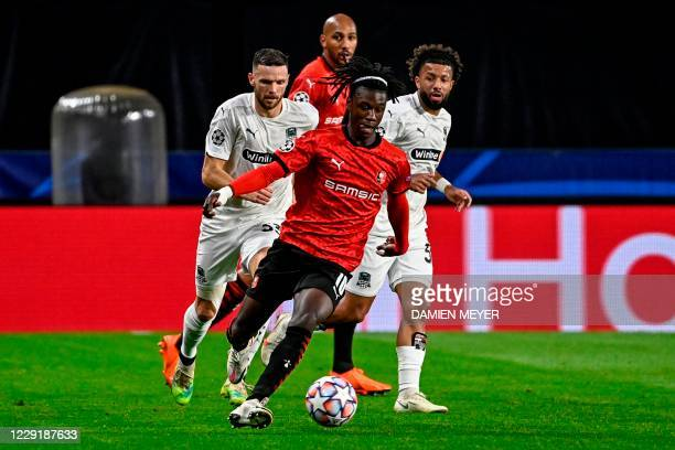 Rennes' French midfielder Eduardo Camavinga controls the ball during the UEFA Europa League Group E first-leg football match between Stade Rennais FC...